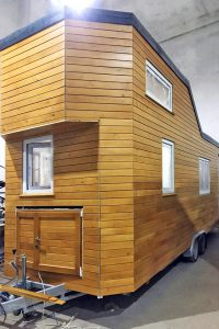 Rolling Tiny House mit innen verschraubtem Rombus-Profil